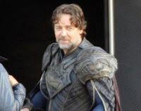 """Mundo Superman 1 6 - Russell Crowe habla sobre lo que él espera inspirar con su interpretación de Jor-El en """"El Hombre de Acero"""""""