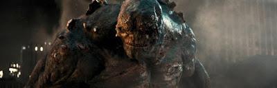 """DoomsdayBatmanVSuperman - Imágenes sin usar de """"Batman V Superman"""" revelan la batalla de Doomsday y Wonder Woman"""