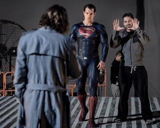 """CLAY ENOS NOS TRAE UNA NUEVA IMAGEN DEL RODAJE DE """"BATMAN v SUPERMAN"""""""