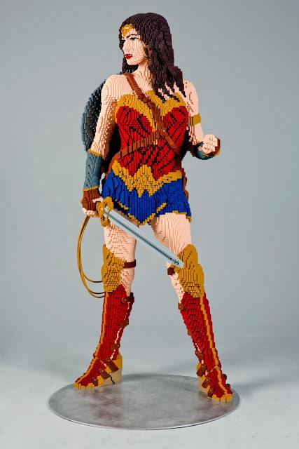 La estatua de LEGO de Wonder Woman será expuesta en la Comic Con de este año