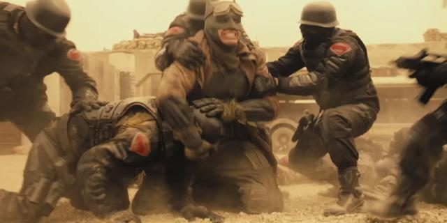 """batman knightmare sequence 232156 640x320 - """"Batman V Superman: El Amanecer de la Justicia"""" originalmente no incluyó la escena """"pesadilla"""""""