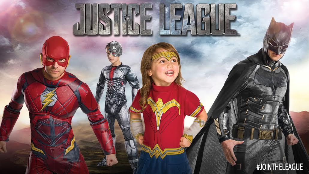 WB ha revelado imágenes de los disfraces para Halloween de la  Liga de la  Justicia . Los disfraces incluyen a Superman 7a3b666be80