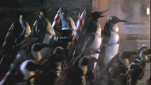 pinguinos - Huevos de Pascua de la 'Liga de la Justicia' que te perdiste completamente