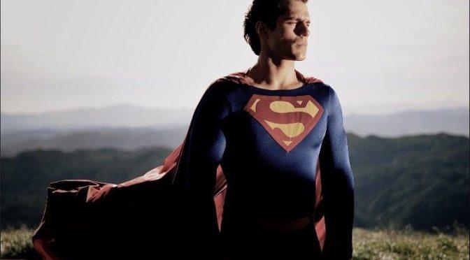 Zack Snyder felicita a Henry Cavill por su cumpleaños con una imagen inédita