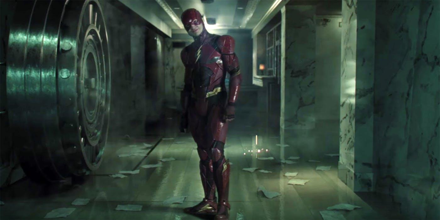 Flash Suicide Squad - Imagen del set de la 'Liga de la Justicia' con Flash y una foto gigante de Harley Quinn