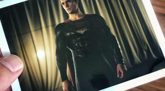 Zack Snyder comparte la primera foto de Henry Cavill con el traje de 'El Hombre de Acero'