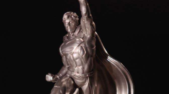Una Estatua de plata conmemorativa para celebrar los 80 años de Superman