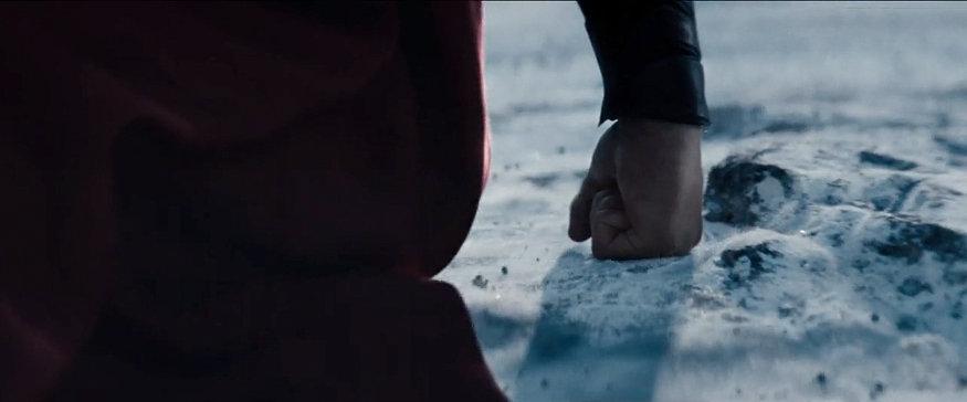 MoS Superman flying 3 - Zack Snyder hace una publicación desgarradora de Superman después de las noticias de la salida de Henry Cavill
