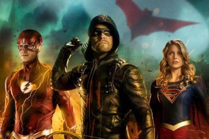 """elseworlds crossover arrow flash superman 1539952103 - Más imágenes de la granja Kent en el crossover """"Elseworlds"""""""