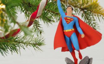 DC Comics Christopher Reeve as Superman Ornament 1999QXI3349 02 348x215 - El adorno navideño de Hallmark del Superman de Christopher Reeve ya está disponible