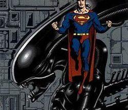 Superman versus aliens 250x215 - NECA estrena en exclusiva las figuras Batman vs. Predator y Superman vs. Aliens en la Comic Con de San Diego