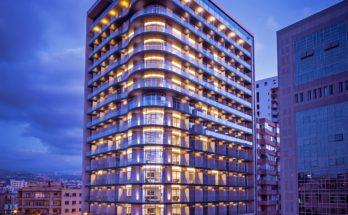 TheSmallvilleHotel Exterior 348x215 - ¿Sabías que hay un Hotel Smallville en Beirut, Líbano?