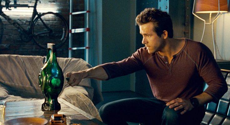"""Ryan Reinolds Justice League 735x400 - [Rumor] Ryan Reynolds estaría en conversaciones para volver a ser Green Lantern en la """"Liga de la Justicia"""" de Zack Snyder"""