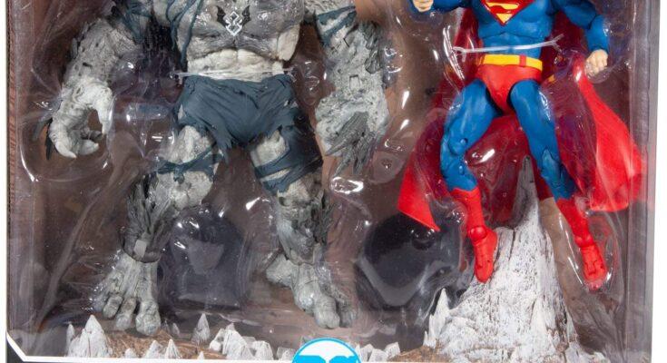 """Ya está disponible en Amazon el Multipack de figuras de acción """"Superman vs Devastator"""" de McFarlane Toys."""